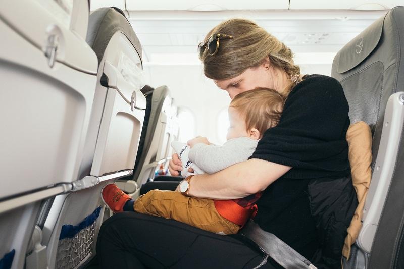 איך להרגיל תינוק למוצץ
