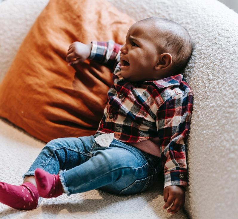 איך להרגיע תינוק בוכה