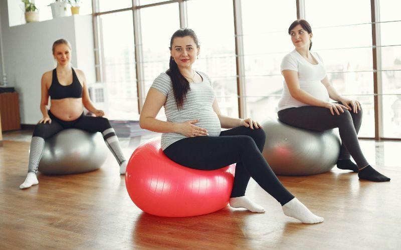 היתרונות של יוגה בהריון